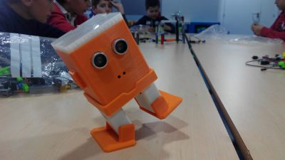 El robot educativo Zeta, impreso en 3D, para aprender a programar